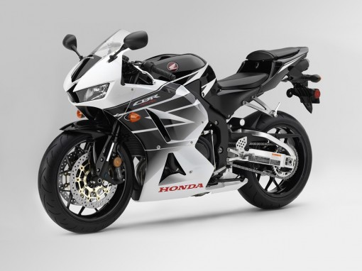 CBR600RR-2016-White-Black-Angle-WEB