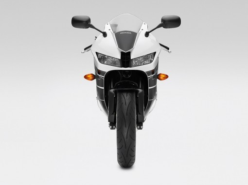 CBR600RR-2016-White-Black-Front-WEB