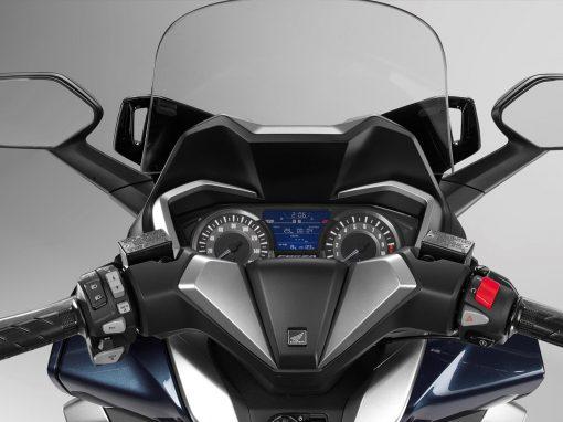 Honda Forza NSS300A Cockpit