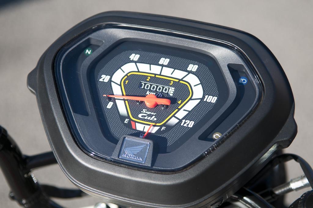 Honda-C110X-Postie_15