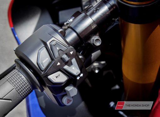 Honda CBR1000RR-R SP 2020 rider modes