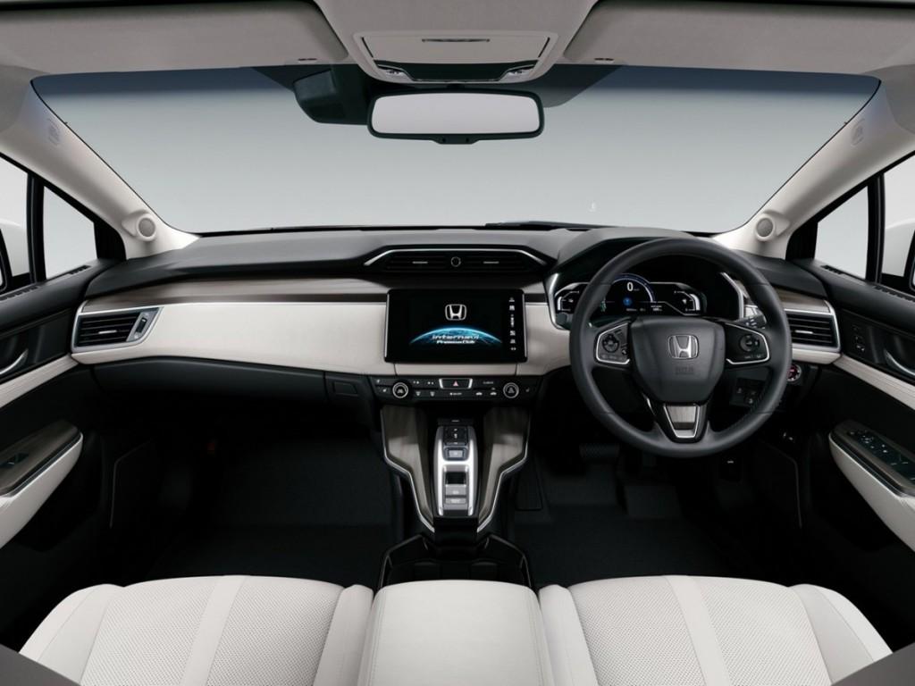 2016-Honda-Clarity-Fuel-Cell-dash-1280x853