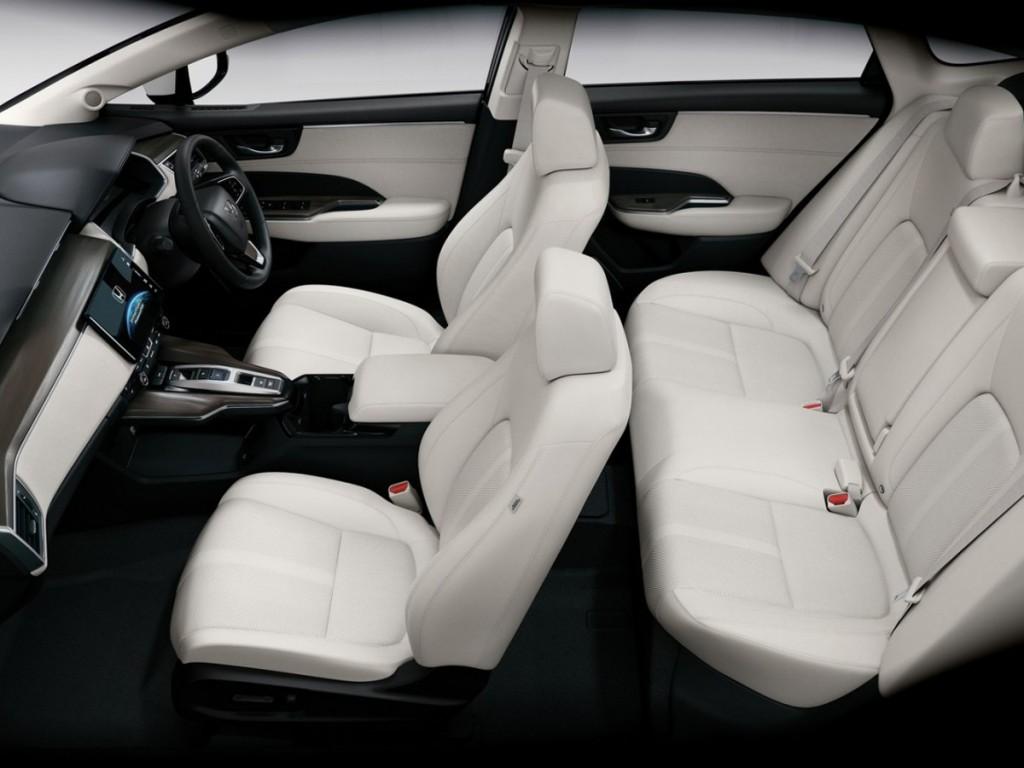 2016-Honda-Clarity-Fuel-Cell-interior-1280x853